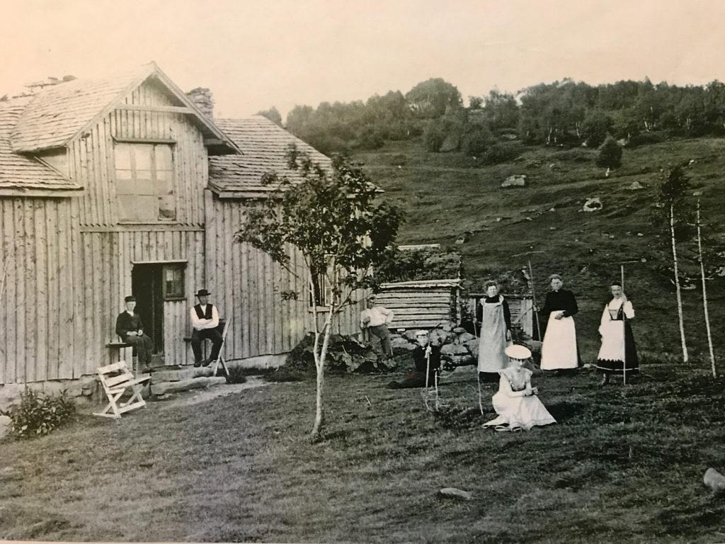 Lauvås gård i gamle dager.